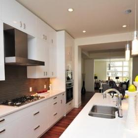 現代簡約風格客廳一層半別墅唯美白色廚房2014廚房裝修效果圖