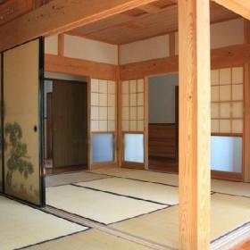 三室两厅日式风格客厅榻榻米_客厅地台榻榻米