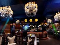 酒吧沙发现代工装主题酒吧网吧时尚动感的酒吧设计装修效果图