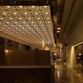 酒吧室内吊顶设计案例图片效果图