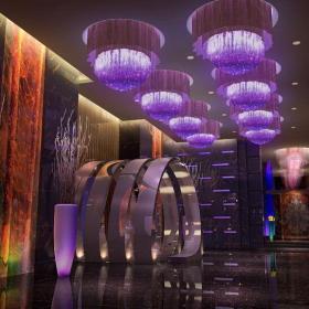 主题酒吧现代公共空间工装时尚动感的酒吧设计装修效果图