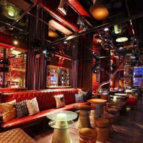 酒吧室内吊顶设计案例欣赏效果图