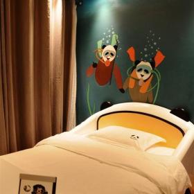 墻體彩繪兒童家具彩繪背景墻室內手繪簡約風格兒童房手繪裝修圖片簡約風格兒童床圖片效果圖欣賞