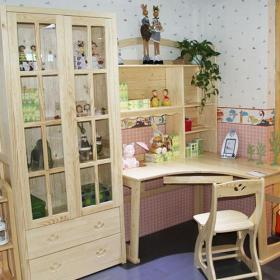 儿童房小户型书柜书桌实景图效果图