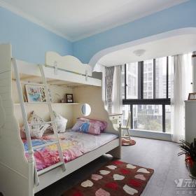 躍層兒童房美式風格實木高低床圖片效果圖欣賞