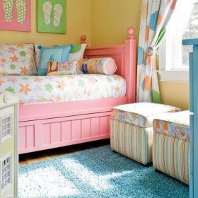 儿童房色调丰富的儿童房装饰效果图