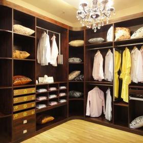 200平米三居室中式风格衣帽间装修效果图-中式风格整体衣柜图片