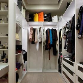 現代四居室室內衣帽間設計裝修圖片效果圖