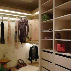 130平米混搭風格三居室混搭清新衣帽間設計效果圖