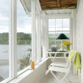 复式楼北欧白色白如雪洁如面的阳台装修装修效果图