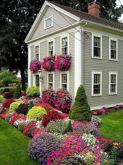 歐式復式樓入戶花園五彩斑斕的花園設計效果圖