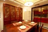 仿古屏风厨房移门玻璃隔断门红木家具餐台餐桌餐椅家具三居餐桌餐椅传统中式餐厅设计效果图