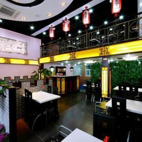 餐桌餐椅微晶石电视背景墙工装新中式风格火锅店装修效果图新中式风格餐台图片