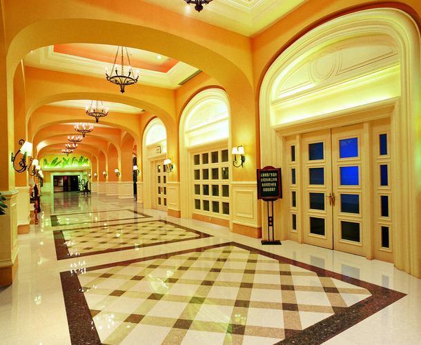 简欧风格酒店过道地面拼花装修图片简欧风格壁灯图片装修效果图