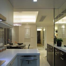 現代簡約二居室廚房櫥柜裝修效果圖欣賞