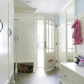 白色現代小戶型家居收納純白進門玄關裝修設計效果圖