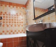 田园风格二居室温馨绿色富裕型卫生间背景墙灯具图片效果图