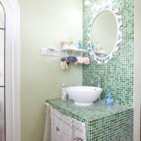 衛生間舒適小清新淺綠色馬賽克瓷磚打造清爽衛浴間效果圖