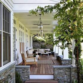 歐式別墅入戶花園綠色花園環抱舒適的生活空間效果圖
