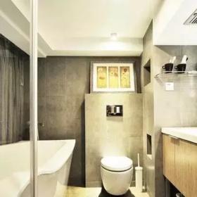 70㎡的小復式公寓衛生間浴缸設計
