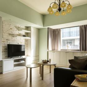 89平現代溫馨客廳背景墻設計