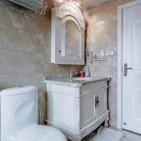簡約三居衛生間浴柜圖片