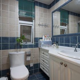 现代纯洁清新两室两厅卫生间设计