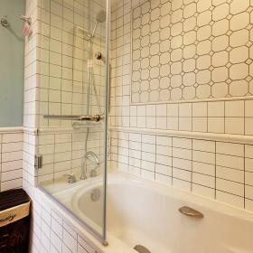 76平美式風復式兩居衛生間浴缸設計效果圖
