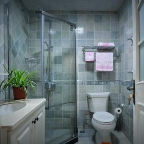 經典美式三居衛生間淋浴房效果圖