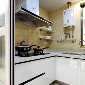 半敞開的廚房