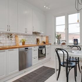 白色為主的廚房