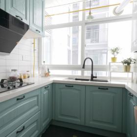 90平米多彩混搭兩居之廚房櫥柜設計效果展示