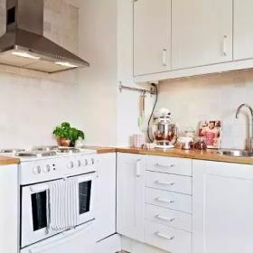 清新雅致北歐復式公寓之廚房格局設計效果圖