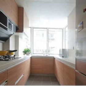 88平現代簡約兩居室之廚房櫥柜設計效果圖