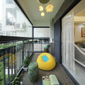 156平简欧唯美三居之阳台懒人沙发摆放效果图