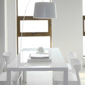 現代簡潔小戶型餐廳餐桌效果圖