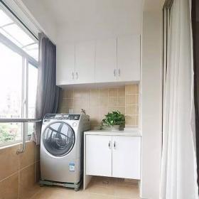 88平現代簡約兩居室之陽臺洗衣柜設計效果圖