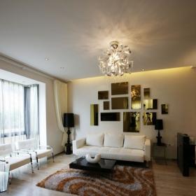 客廳的墻面簡單到幾乎完全沒有做裝飾