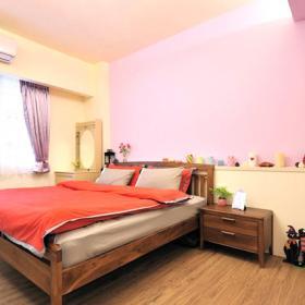 臥室擺滿了唯美的物件,這樣至少可以將屬于自己的幸福進行到底