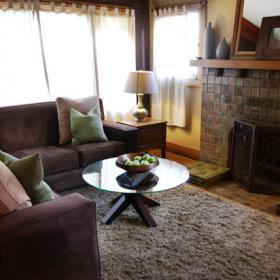 95平米簡約舒適三居室客廳壁爐設計