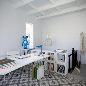 書房-整體為白色,添加了藍色來點綴一下