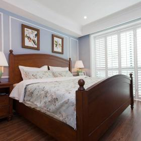 76平美式風復式兩居臥室格子落地門效果圖