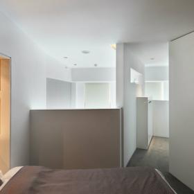 現代簡潔小戶型臥室床頭柜效果圖