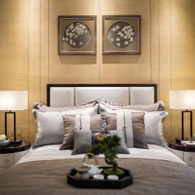 139㎡现代中式风格卧室床头背景墙装饰效果图