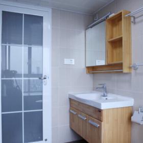 日式衛生間浴柜圖片