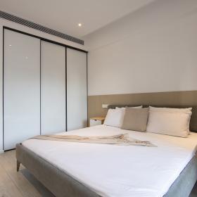 220平米簡約公寓臥室衣柜設計效果圖
