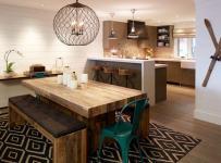 餐厅91-120平米四居室简欧风格原木色一体式厨房装修效果图