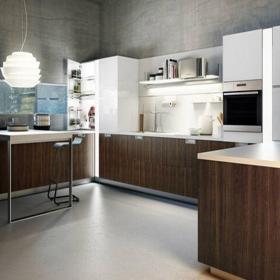 原木色現代簡約現代小戶型廚房櫥柜設計效果圖