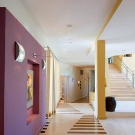 紫色走廊墻壁裝扮效果圖