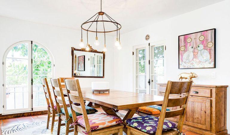 原木色91-120平米二居室自然原木简约餐厅装修效果图